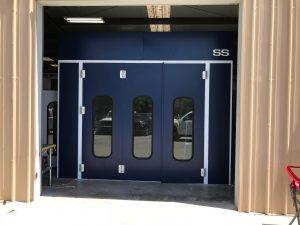 Semi-down draft booth